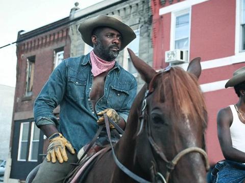 Idris Elba en 'Cowboy de asfalto'.