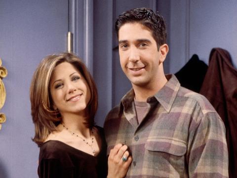 Jennifer Aniston y David Schwimmer en el set de 'Friends'.