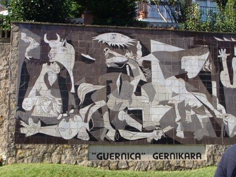 """Mural del """"Guernica"""" de Picasso, Vizcaya."""