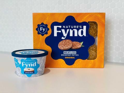 Queso crema sin lácteos y hamburguesas sin carne de Nature´s Fynd. Su principal ingrediente son los hongos fermentados.e
