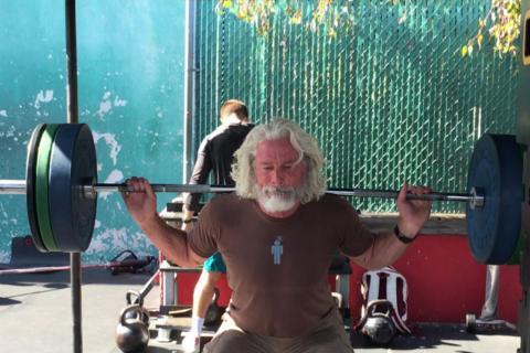 Pete Koch, considerado una de las personas maduras más fuertes del mundo.