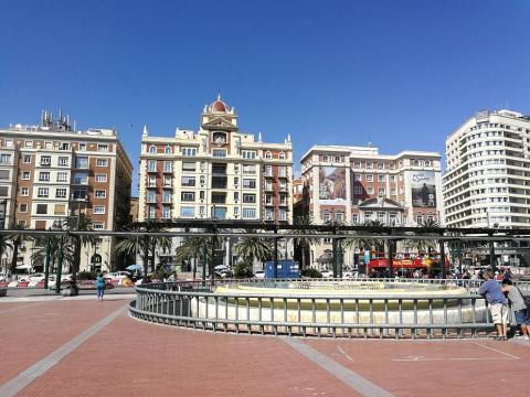 Plaza y Acera de la Marina.