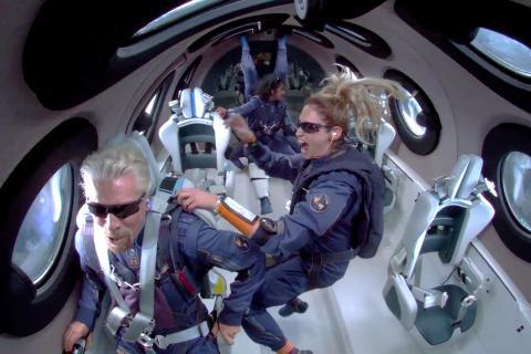Richard Branson durante su viaje al espacio
