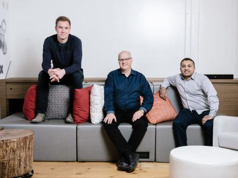 Los cofundadores de SkyWatch; James Slifierz, Roland Sing y Dexter Jagula.