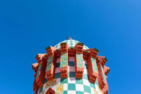 La parte superior de la Casa Vicens.