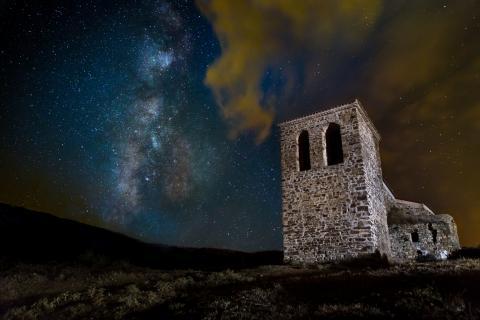 Noche estrellada en La Santa, la Rioja.