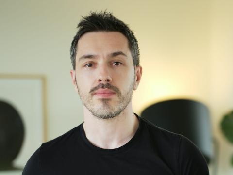 El cofundador y director de producto e ingeniería de Primer, Paul Anthony.