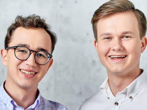 Los cofundadores de Ramp, Przemek Kowalczyk y Szymon Sypniewicz.