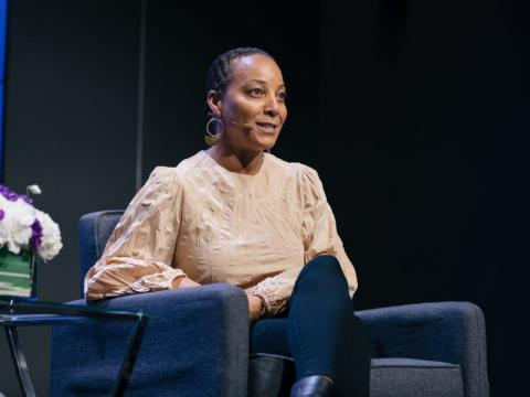 La directora externa de Waymo, Tekedra Mawakana, habla en el evento 'Ignition: Transportation' de 'Business Insider' en San Francisco el martes 22 de octubre de 2019.