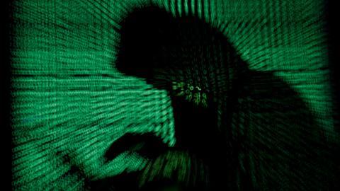 La figura de un hacker o un ciberdelincuente.