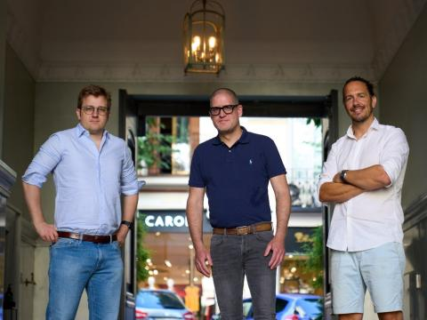 Los fundadores de Volt.io, Tom Greenwood, Steffen Vollert y Jordan Lawrence.