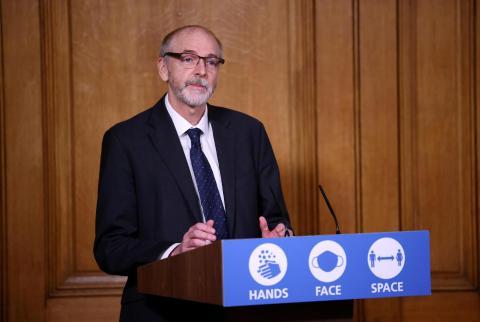 Andrew Pollard, director del Centro de Vacunas de Oxford, durante una conferencia pasada.