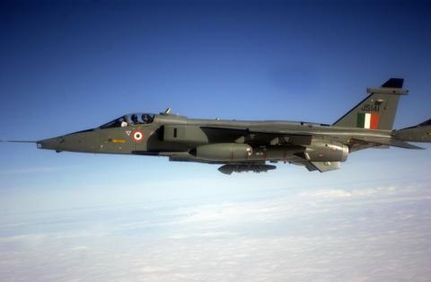 Un Jaguar de la Fuerza Aérea India en julio de 2004.