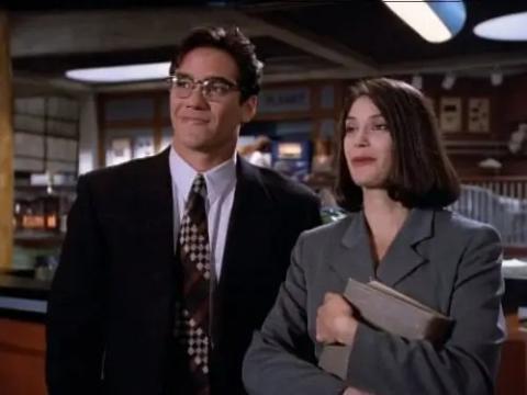 Dean Cain y Teri Hatcher como Clark y Lois.