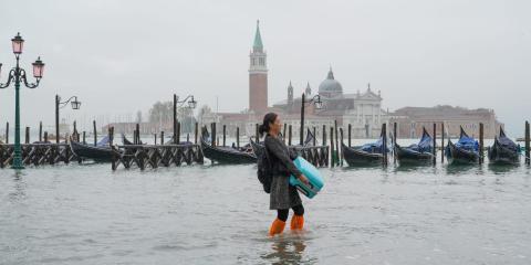 La marea alta de Venecia inunda la plaza de San Marcos en noviembre de 2020.