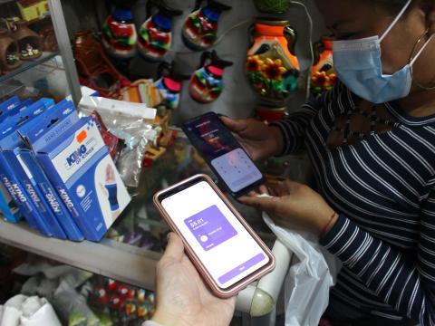 Mi primer pago de Bitcoin en El Salvador por 5 dólares. Anna-Catherine Brigida