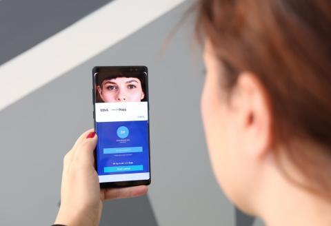 Pago con el iris a través de la plataforma de BBVA y Samsung Pay. Samsung