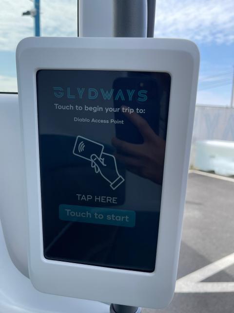 Una pantalla de Glydways. Candy Cheng/Business Insider