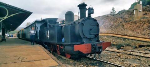 Tren a vapor en las minas.