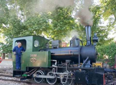 Una de las locomotoras del Tren de Arganda.