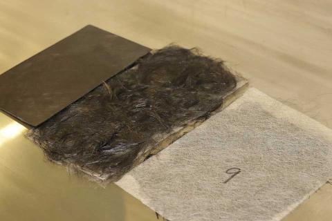 Una imagen del proceso de la tecnología R3FIBER, que permite obtener nuevos materiales a partir de residuos de fibra de carbono.