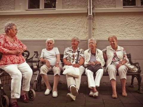 Las pensiones medias de las mujeres están por debajo de las de los hombres.