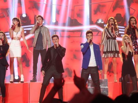 Los concursantes de OT2017 cantan 'Resistiré' en la 10ª gala del concurso.