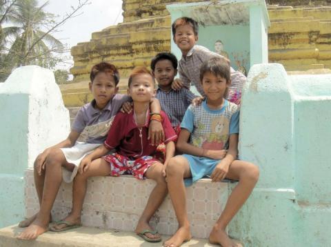 Niños de otras nacionalidades