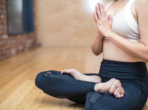 El yoga, es una de las mejores formas de combatir el estrés