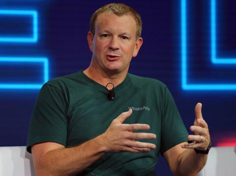 Fundador WhatsApp pide borrar Facebook