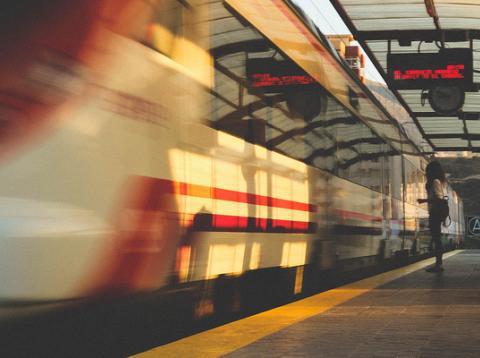 Renfe cancela 105 trenes AVE y Larga Distancia este 8 de marzo con ocasión de la huelga convocada con motivo del Día de la Mujer Trabajadora.