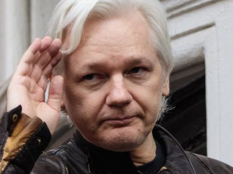 Ecuador deja sin internet a Assange