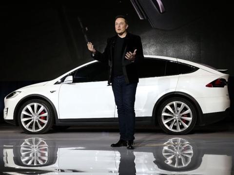 Los huevos de Pascua de los coches de Tesla