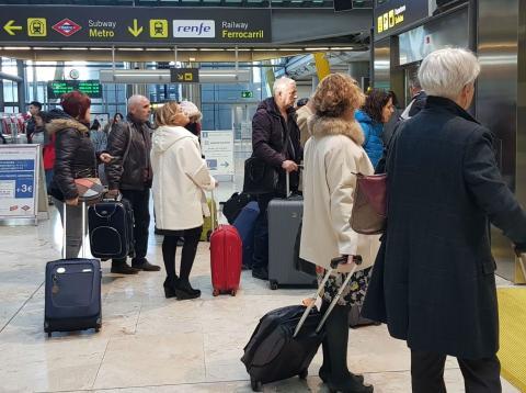Pasajeros en el aeropuerto de Madrid Barajas.