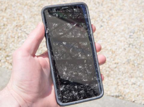 Samsung Galaxy S9 Plus atropellado por un coche