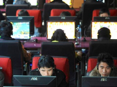 Un cibercafé de Wuhan, China.