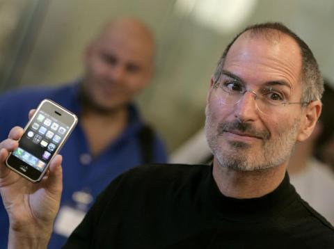 Pero la mayor victoria de Apple fue la presentación del iPhone en 2007. El resto, como se dice, es historia [RE]