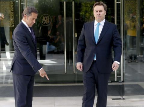Marta y Cristina Álvarez han puesto en marcha una opa hostil contra su primo Dimas Gimeno con el fin sustituirlo enla presidencia de El Corte Inglés.