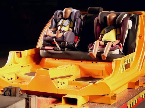 Estas dos sillas para niños son peligrosas según el Race