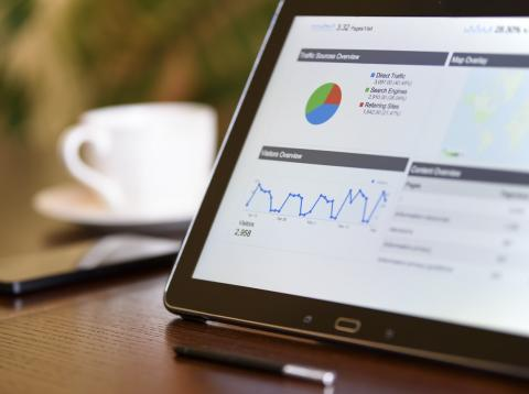 Una tablet con Google Analytics