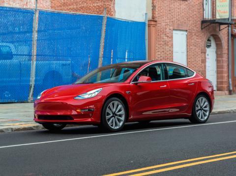 Tesla no está invirtiendo suficiente dinero