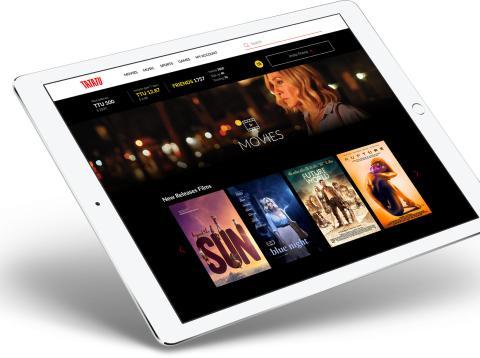 iPad con TaTaTu en la pantalla