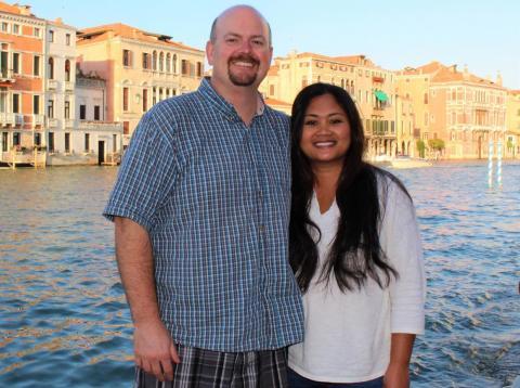Justin McCurry, junto a su mujer [RE]