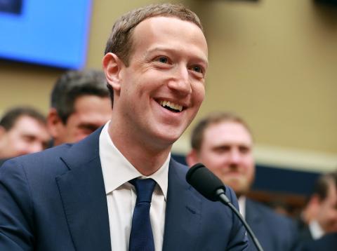 [RE] Facebook ignora a sus accionistas en su reunión anual