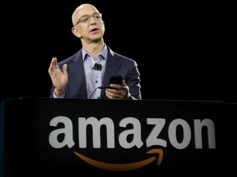 Amazon permitió trabajar a una docena de sus empleados trabajar 30 horas a la semana por un 75% de su salario [RE]