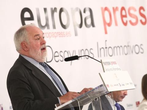 El comisario europeo de Acción por el Clima y Energía, Miguel Arias Cañete,