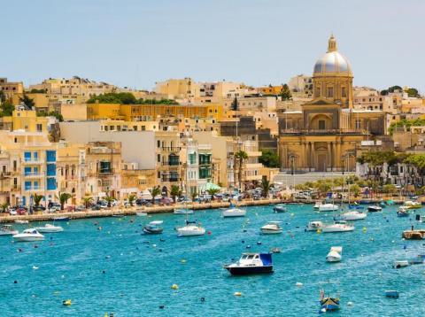 La isla de Malta ha dado una cálida bienvenida a la industria blockchain .