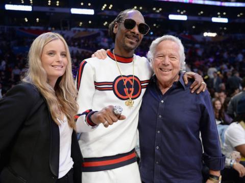 Kraft, junto a su novia y Snoop Dogg [RE]