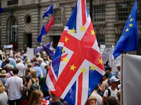 Manifestantes pidiendo una votación sobre la negociación del Brexit, el pasado junio