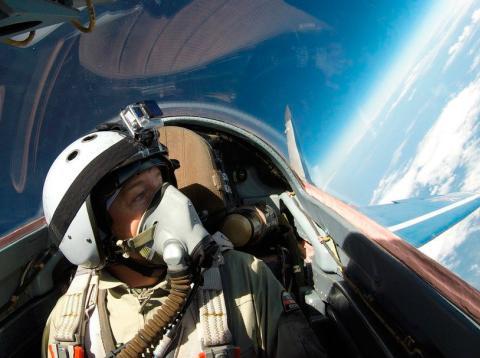 Un momento del vuelo en el MIG-29